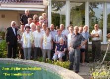 2004 Familienkreis mit Pfarrer Rhode
