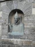 04_Papst_Clemens-Büste_im_Vorhof_v_St_ Katha_u_St_ Barbara